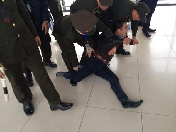 Nam thanh niên ngáo đá làm loạn khu vực sân bay Nội bài