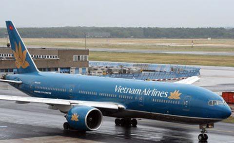 Trễ 2 giờ vì tội phạm dọa có bom tại sân bay Nội Bài